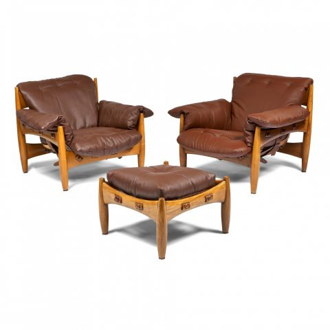 Sergio Rodrigues for ISA, Sheriff chairs, pair, with ottoman