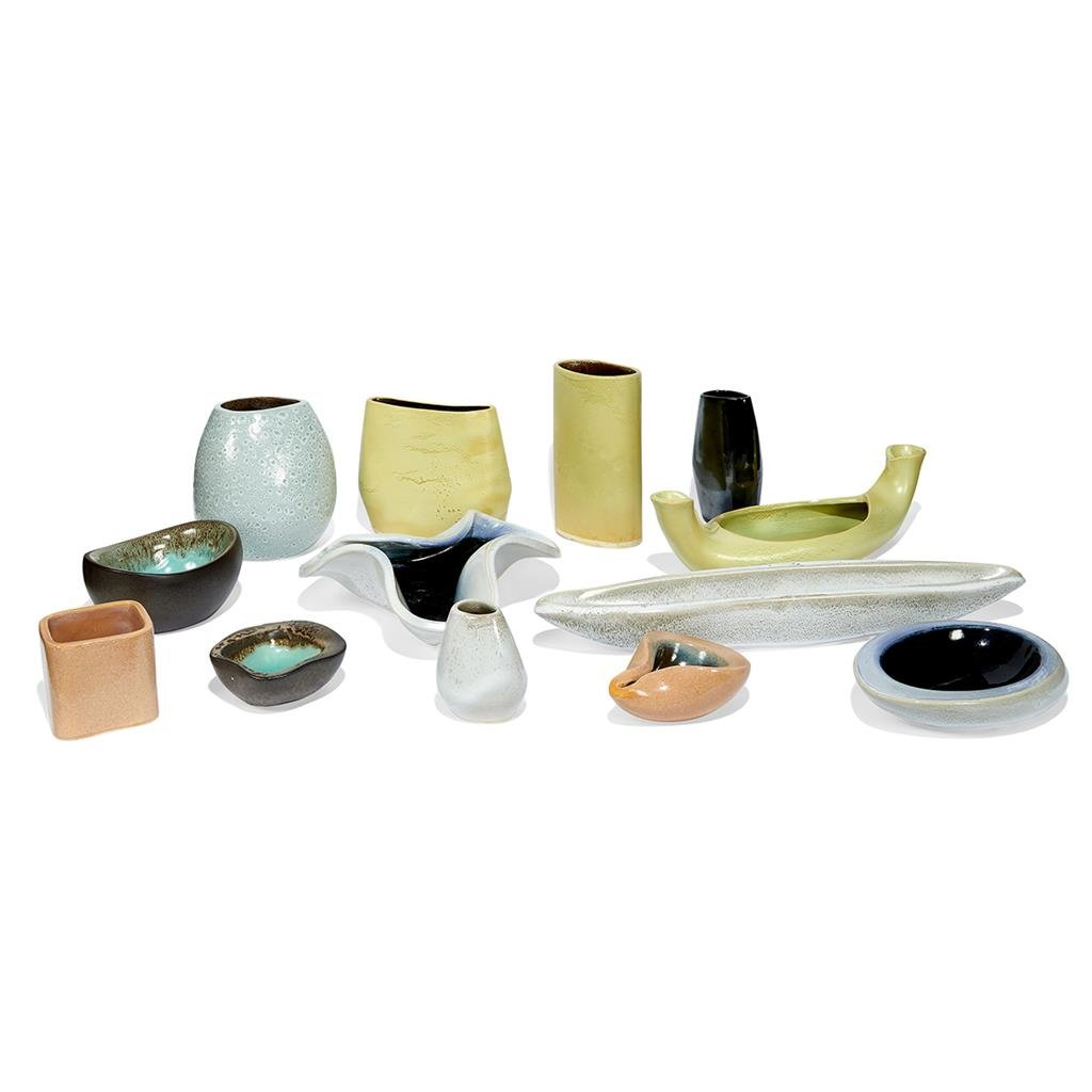 Russel Wright for Bauer, collection of 13 vessels