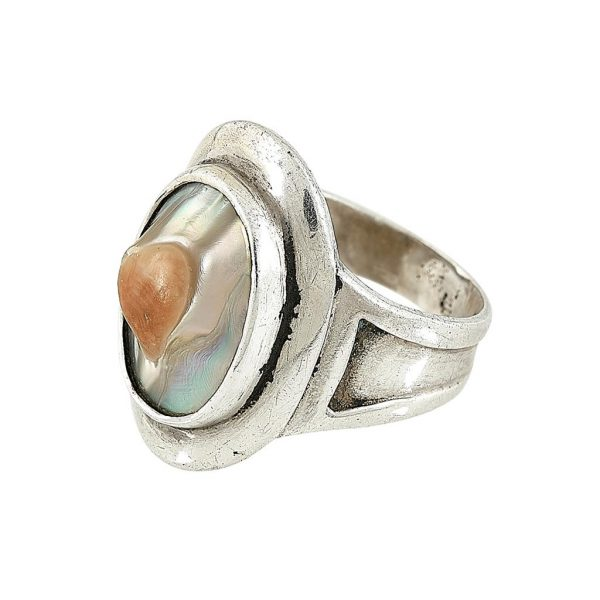 The Kalo Shop child's ring size: 3