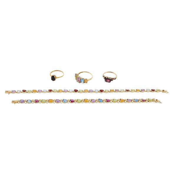 Miscellaneous Jewelry Group comprising five items
