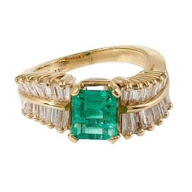 Vintage yellow gold, fine emerald and diamond ring size: 5 1/4